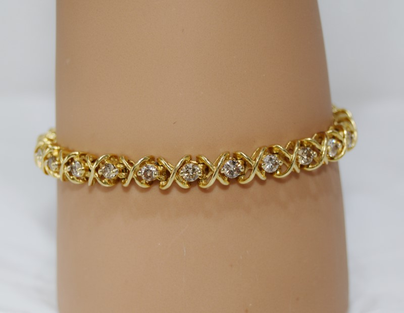 """6"""" 14k Yellow Gold X & O Style Round Diamond Tennis Bracelet"""