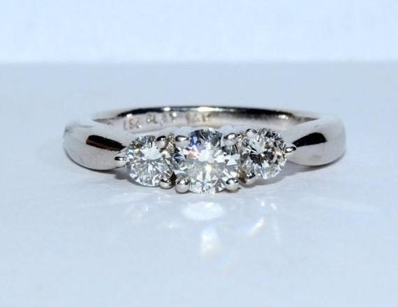 14K White Gold Tapered Band 3 Stone Diamond Engagement Ring Size: 7