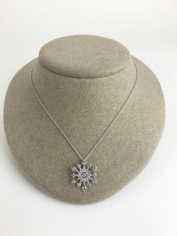 Diamond Necklace 24 Diamonds .24 Carat T.W. 925 Silver 3.05g