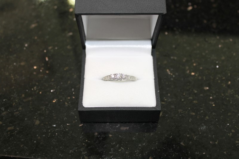 Brilliant Round Cut Diamond White Gold Engagement Ring