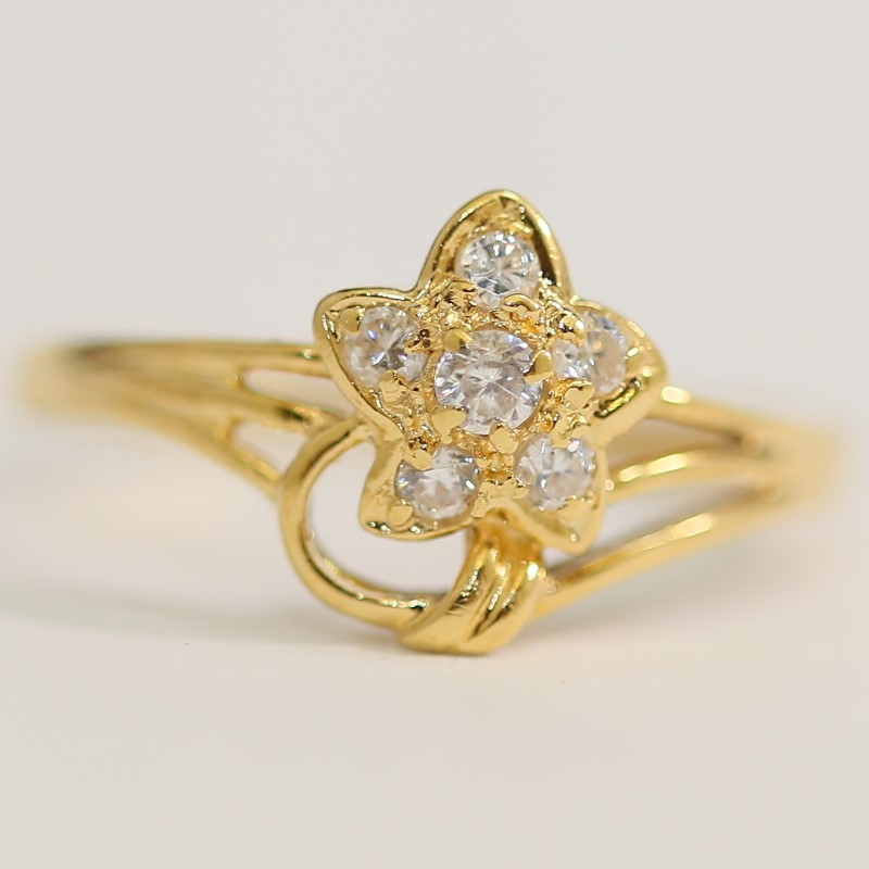 Flower and Vine Shaped White Stone 10K Yellow Gold Ring Size 7