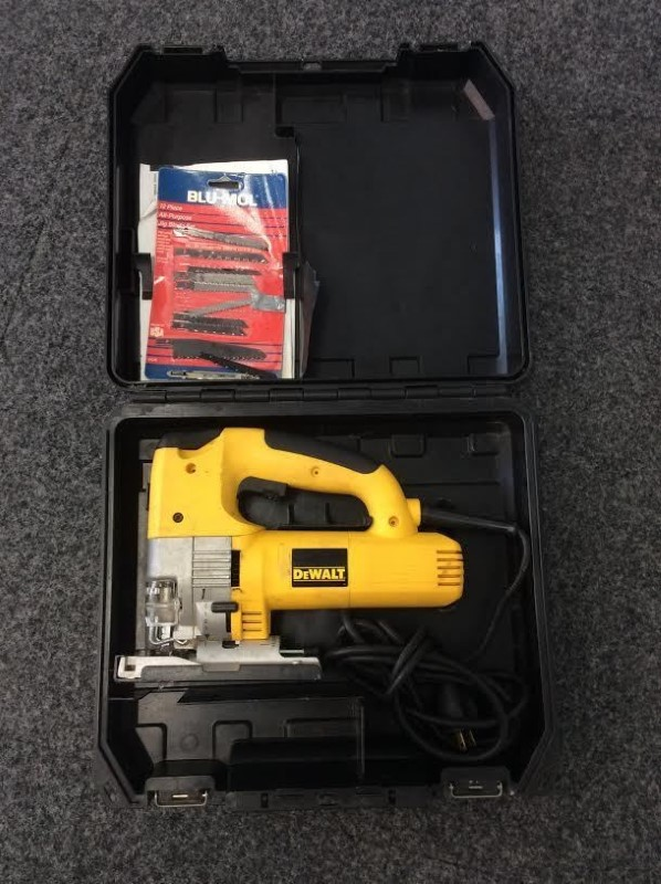 DeWALT Variable Speed 60mm Heavy Duty Jig Saw DW321 with Hard Case and Blades