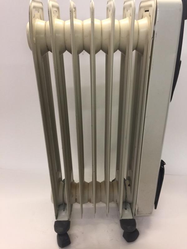 DELONGHI Oil Filled Electric Space Heater EW6507L