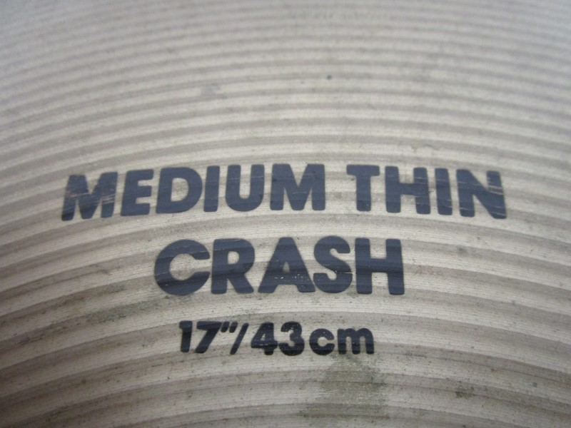 "ZILDJIAN AVEDIS 17"" MEDIUM THIN CRASH, EXCELLENT CONDITION"