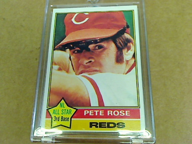 TOPPS PETE ROSE #240 1976