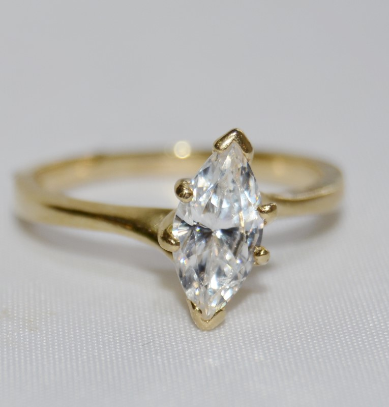 Synthetic Cubic Zirconia Lady's Stone Ring 14K Yellow Gold 2.5g Size:6.5