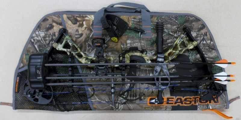 BOWTECH DIAMOND ARCHERY INFINITE EDGE PRO CAMO COMPOUND BOW PACKAGE