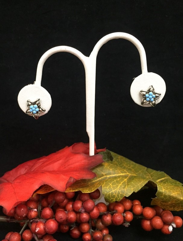 Beautiful Joan Rivers Stainless Steel and Blue Bead Flower Stud Fashion Earrings