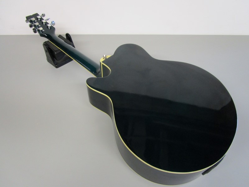 J.B. PLAYER GUITARS JBEA35TBL ACOUSTIC ELECTRIC, BARCUS BARRY PREAMP