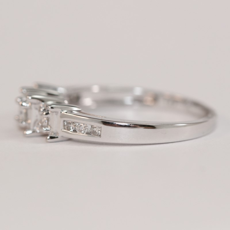 14K White Gold 3 Stone & Channel Set Diamond Ring Size 6.5