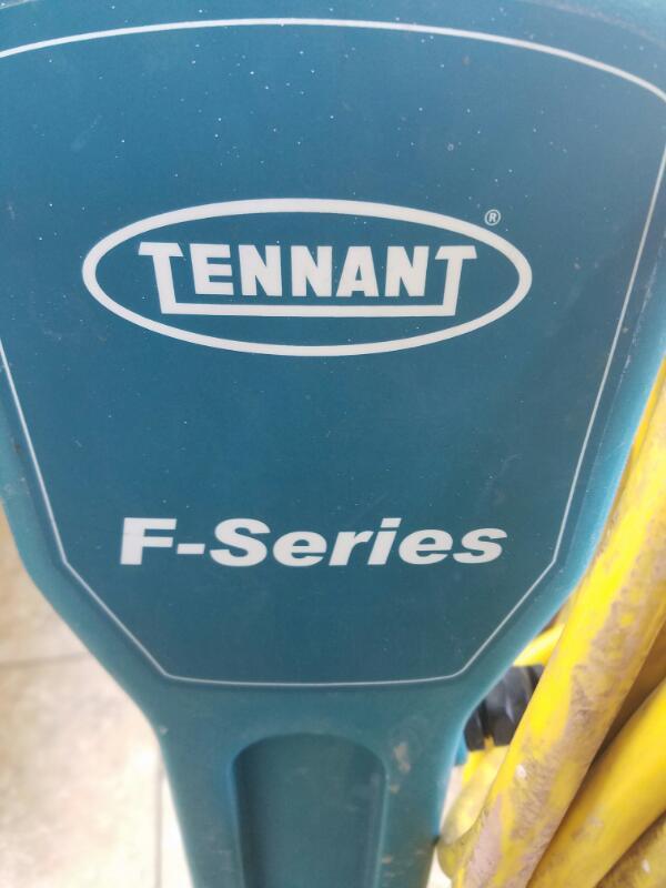 TENNANT Polisher F5