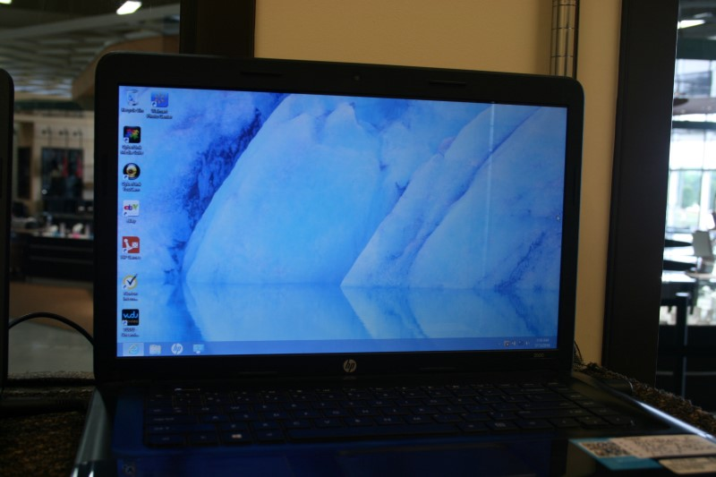 "HP 2000-2B29WM 15.6"" Intel B960 2.2GHz 4GB 500GB Win 8 Black"