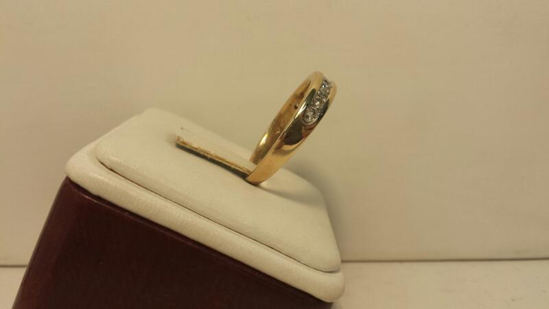 10k Yellow Gold Ring with 11 Diamonds at .55ctw - 3.3dwt - Size 12