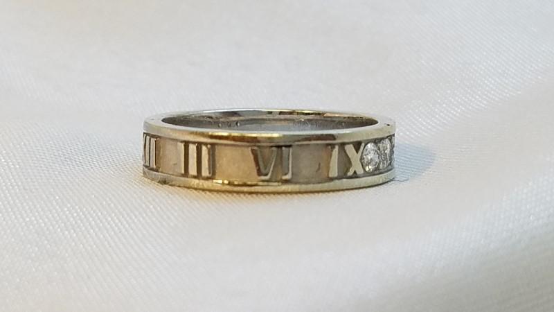 Tiffany & Co. Lady's Atlas Ring 3 Diamonds .09 Carat T.W.