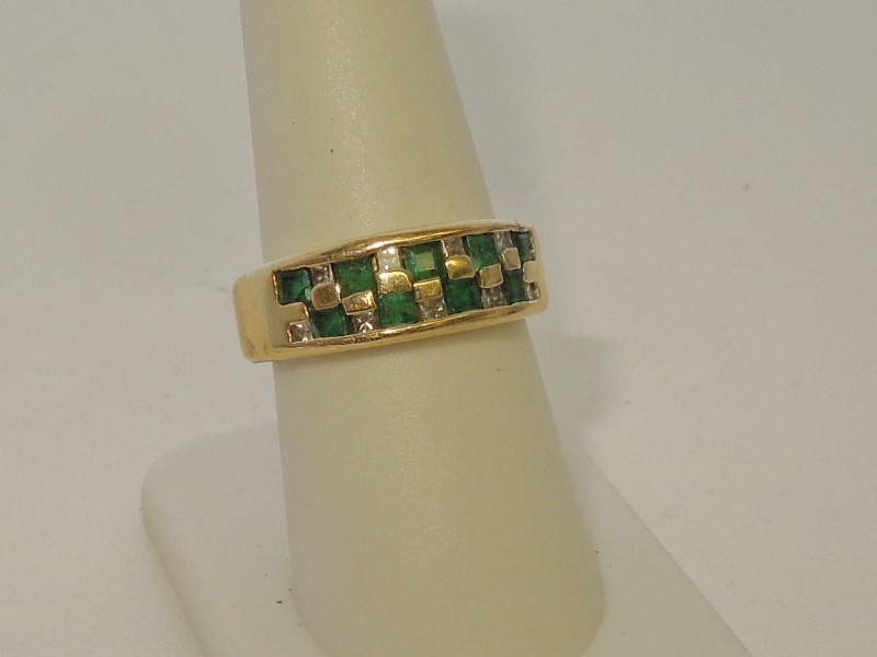 Emerald Lady's Stone & Diamond Ring 9 Diamonds .27 Carat T.W. 14K Yellow Gold