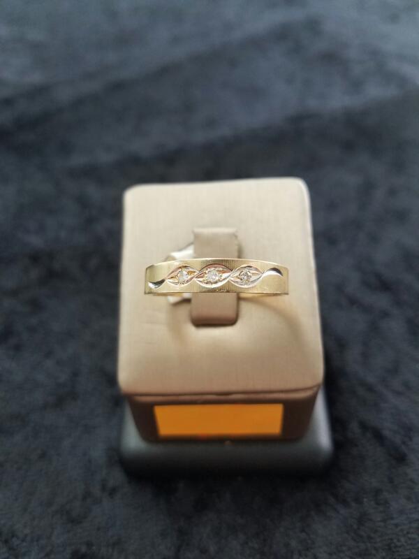 14KYG WMS #9 CLUS RING,3-.03TD