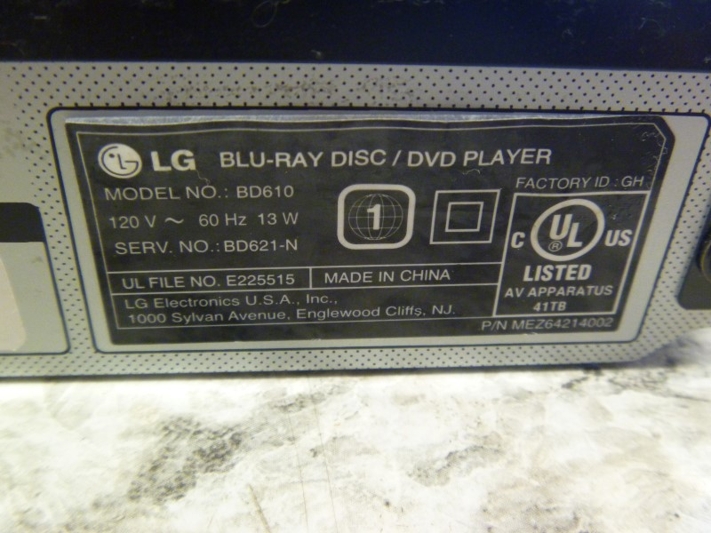 LG BD610 BLU-RAY DISC PLAYER WITH FACTORY REMOTE