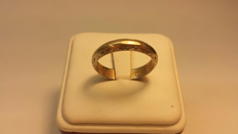 14k Yellow and White Gold Carved Band - 3.3dwt - Size 11.5