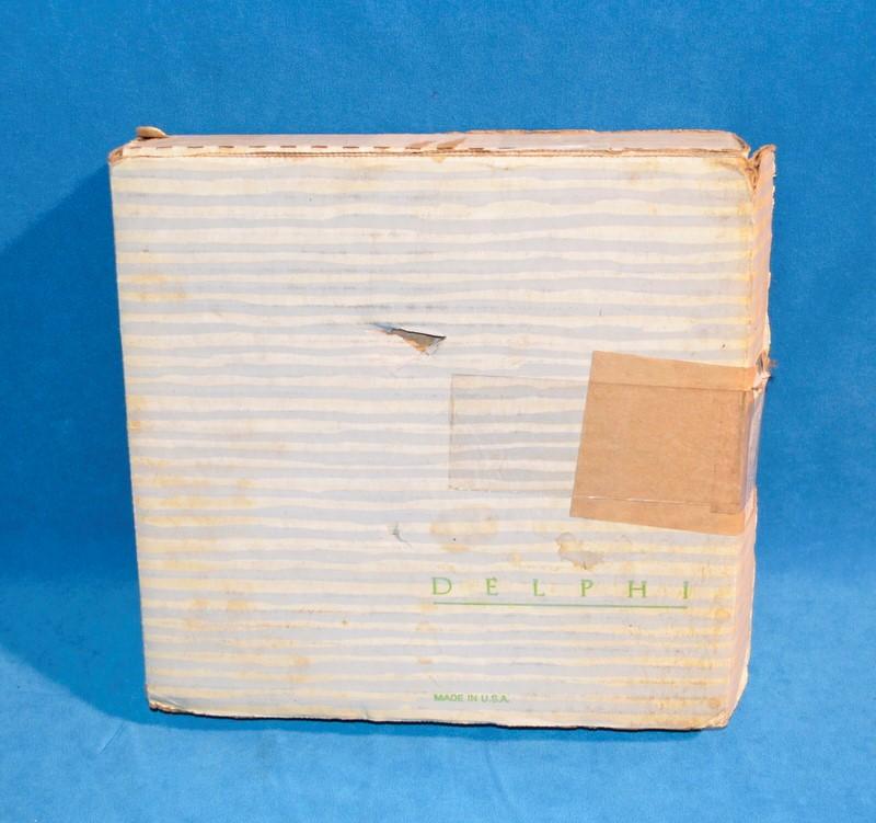 ELVIS PRESLEY ENTERPRISE Collectible Plate 1687K Elvis At The Gates Of Graceland