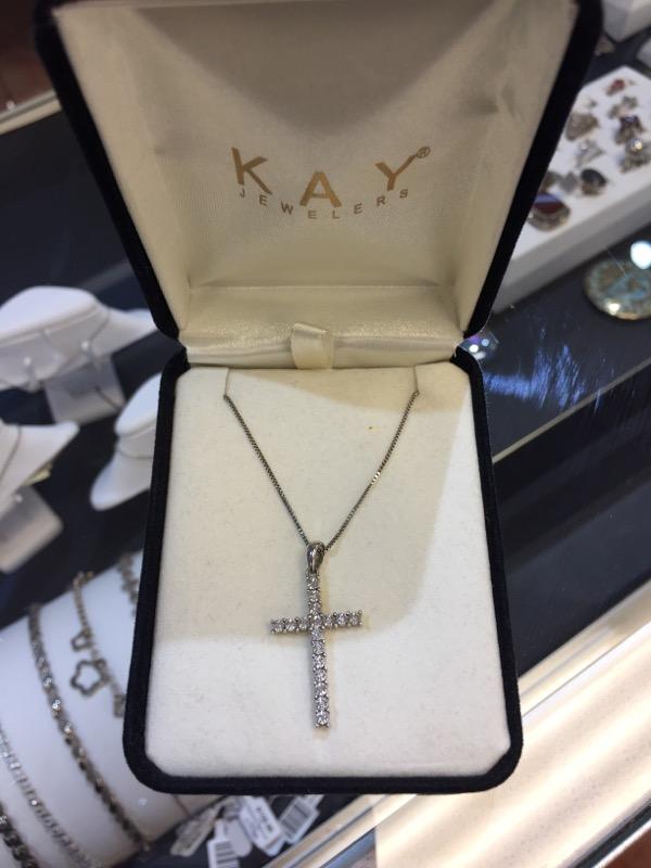 Silver-Diamond Pendant 18 Diamonds .90 Carat T.W. 925 Silver 3.2g
