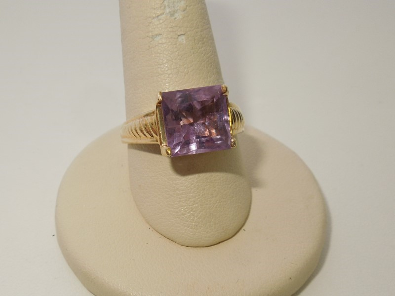 Synthetic Amethyst Lady's Stone Ring 14K Yellow Gold 4.6g