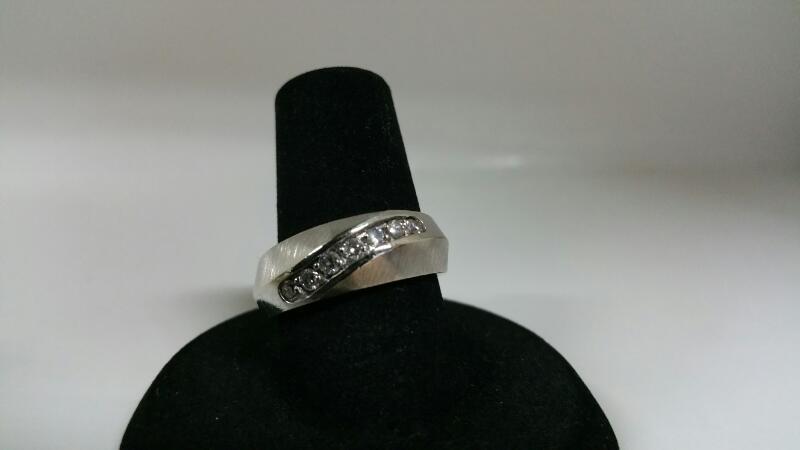 DIAMOND Lady's Diamond Wedding Band 7 Diamonds .07 Carat T.W. 14K White Gold