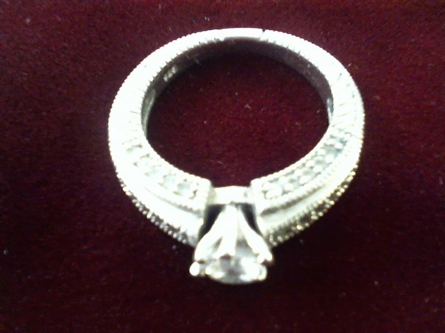 Synthetic Cubic Zirconia Lady's Silver & Stone Ring 925 Silver 4.2g