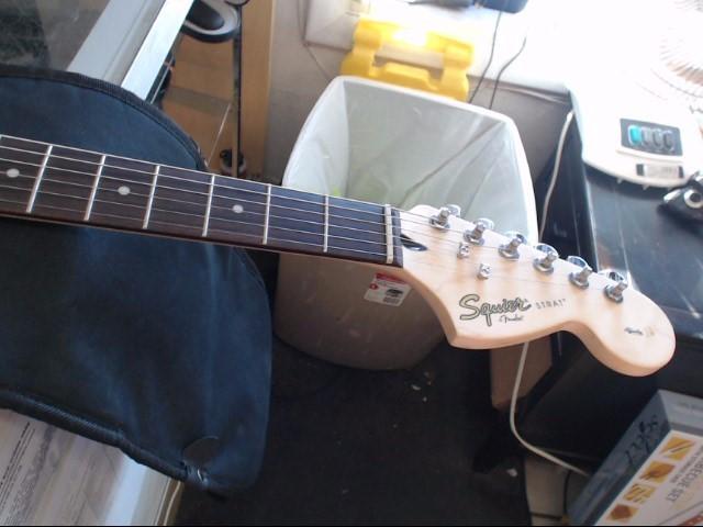 FENDER Electric Guitar SQUIER STRAT AFFINITY