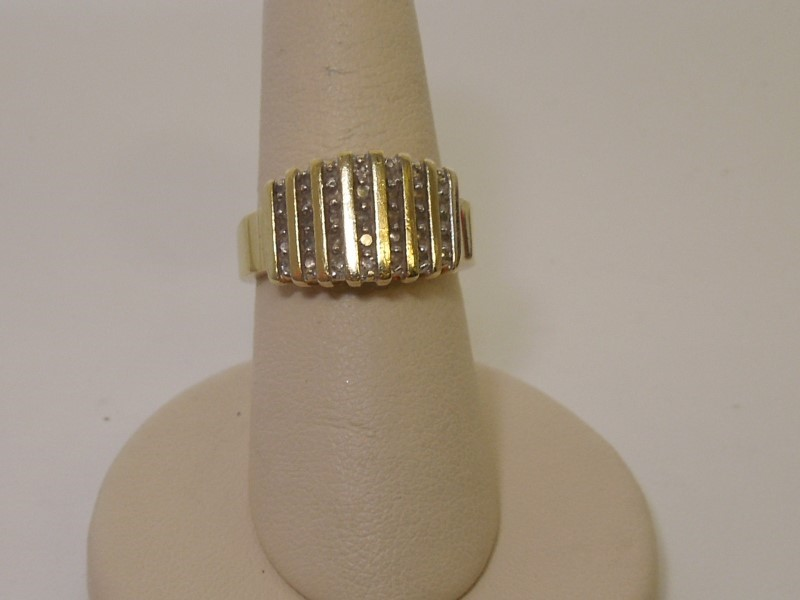 Lady's Diamond Cluster Ring 35 Diamonds .35 Carat T.W. 10K Yellow Gold 4.6g