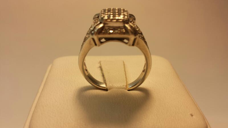 10k White Gold Ring with 78 Diamonds at .78ctw - 3.4dwt - Size 7