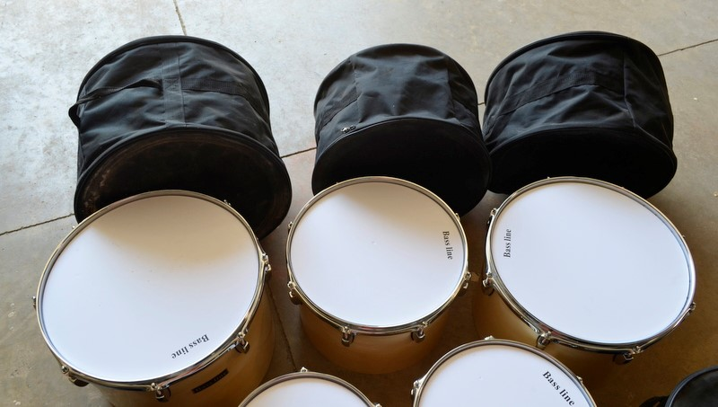 BASS LINE 8PC DRUMS,CASES & TAMBOURINE