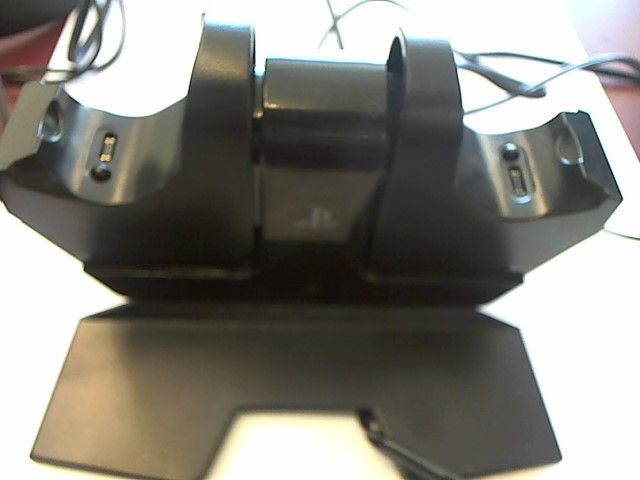 SONY PS4 CHARGING BASE CPFA141325-02