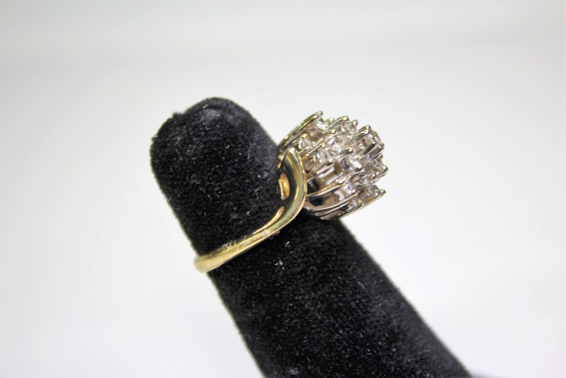 Lady's Diamond Cluster Ring 16 Diamonds .96 Carat T.W. 14K Yellow Gold 6.2g