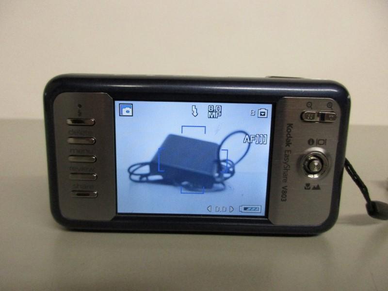 KODAK V803 EASYSHARE 8.0 MP DIGITAL CAMERA