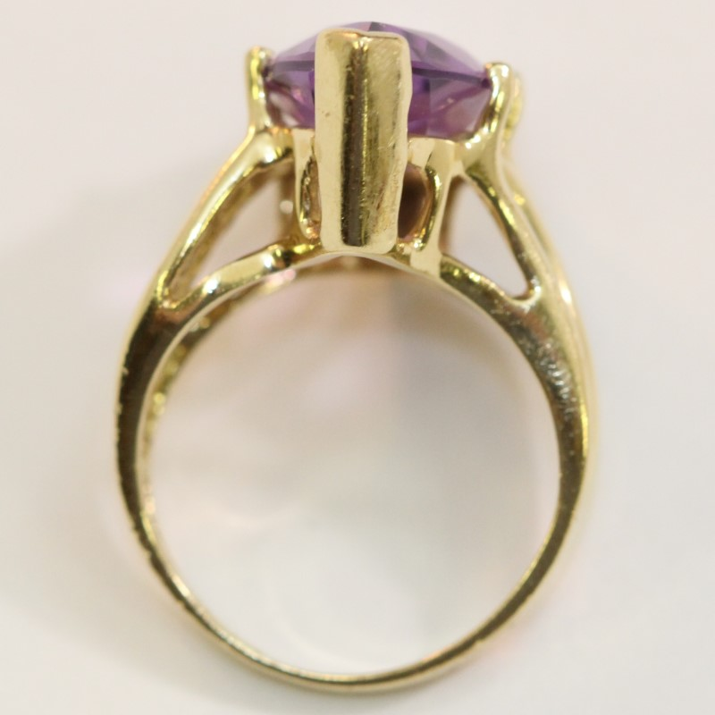 10K Yellow Gold Wave Design Band Marquise Cut Amethyst Ring Size 5.5