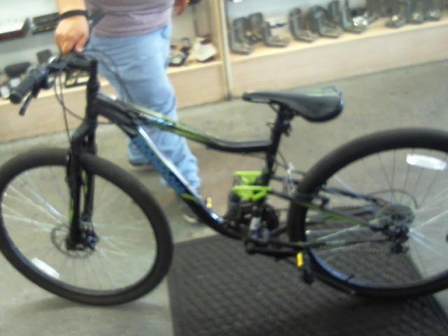 MONGOOSE BICYCLES Mountain Bicycle 2.2 LEDGE
