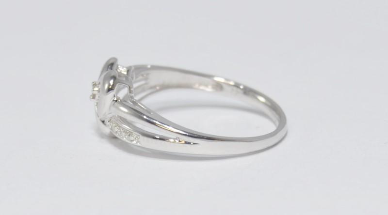 10K White Gold Split Heart Shank Diamond Engagement Ring Size 7