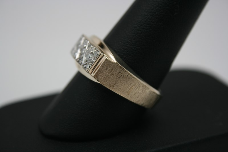 GENT'S FASHION DIAMOND RING 10K YELLOW GOLD