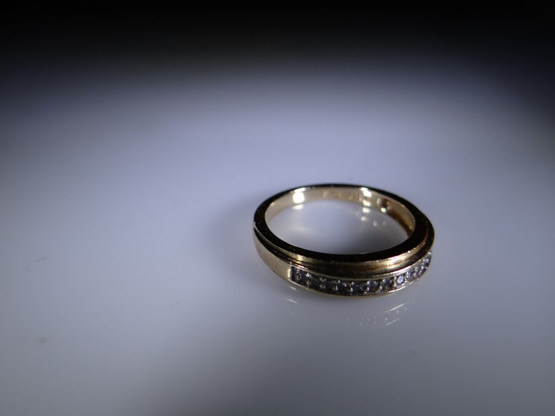 Lady's Gold Ring 14K Yellow Gold 3.8g