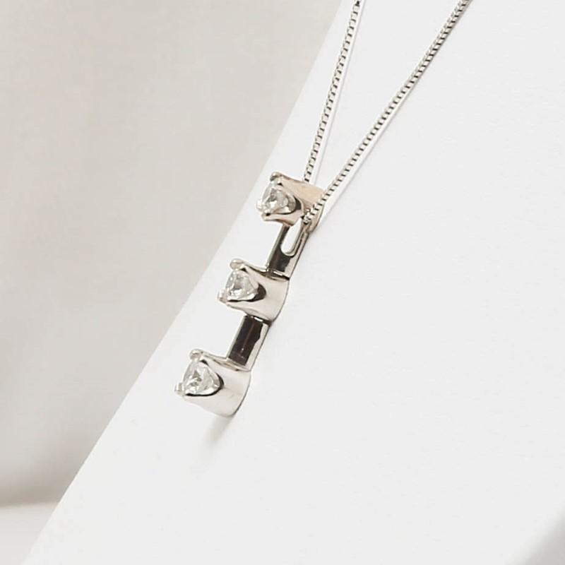 "17"" 14K White Gold 3 Stone Round Brilliant Diamond Necklace"