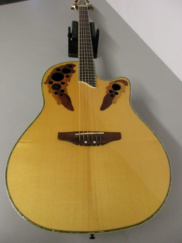 OVATION CELEBRITY CC44 ACOUSTIC/ELECTRIC GUITAR