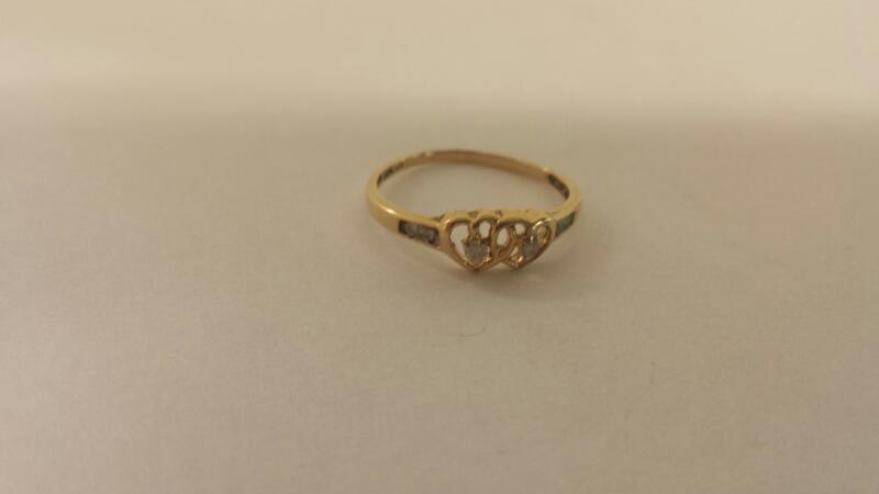 Lds 10K-Y/G Two Heart 6-Diamond Fashion Ring