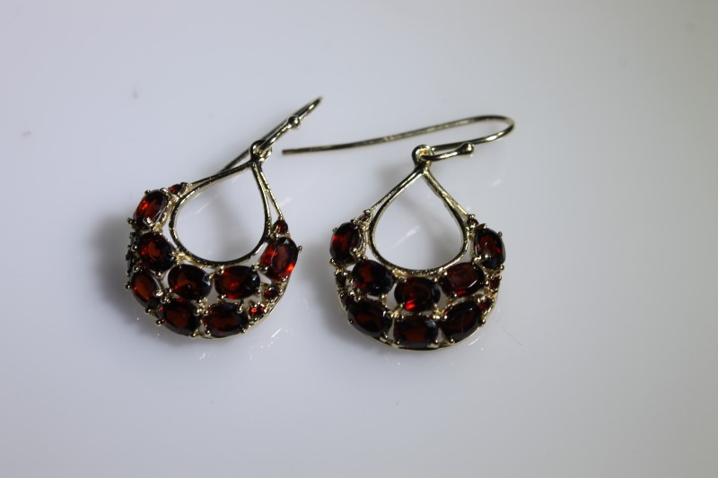 Red Stone Gold-Stone Earrings 10K Yellow Gold 3g