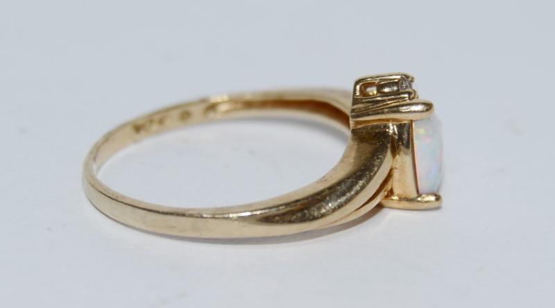 10K Yellow Gold Dainty Split Bypass Shank Trillion Opal & Diamond Ring Size 6