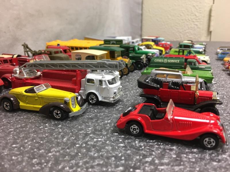 Lot of 57 Die Cast/Plastic Cars (Hot Wheel, Matchbox, The Ertl, etc.