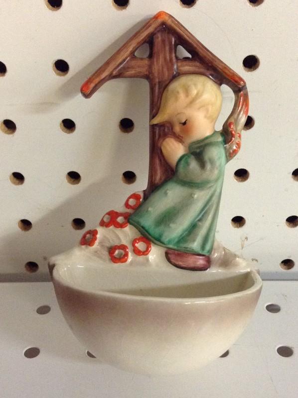 GOEBEL Collectible Plate/Figurine 147 ANGEL