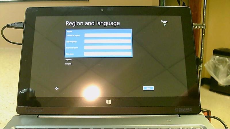 """iView Magnus II Windows 8.1 32GB Quad Core 10"""" Tablet"""