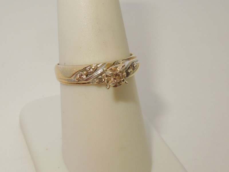 Lady's Diamond Engagement Ring 7 Diamonds .17 Carat T.W. 14K 2 Tone Gold 3.3g