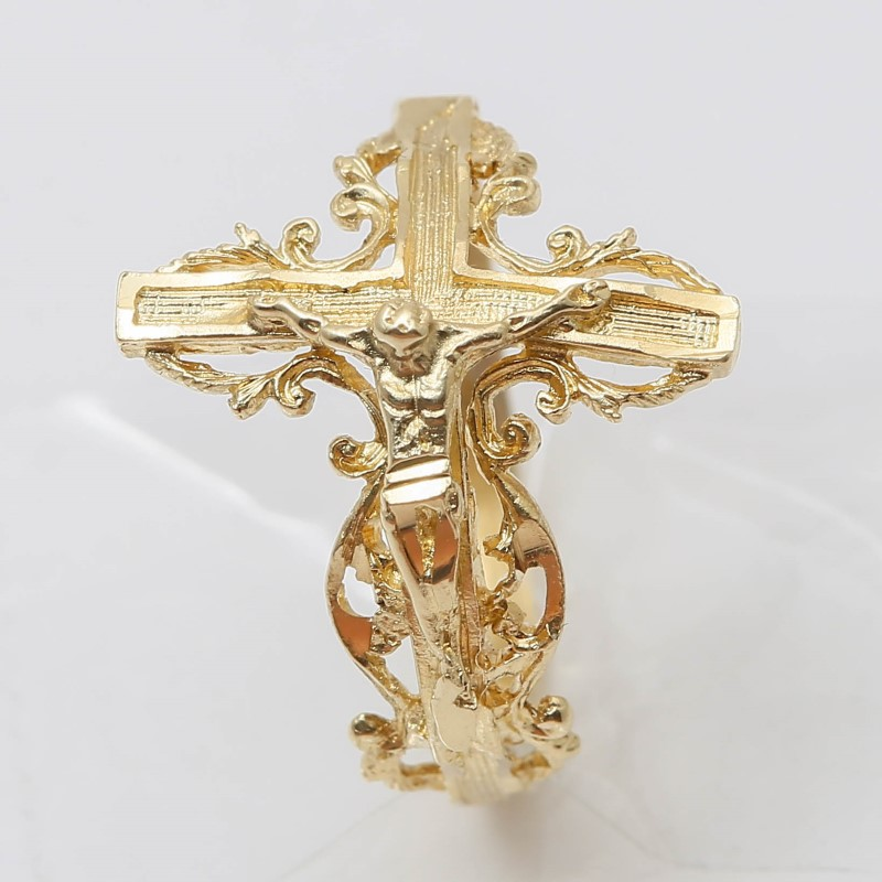 14K Yellow Gold Crucifix Ring with Intracate Detailing Size 6.3