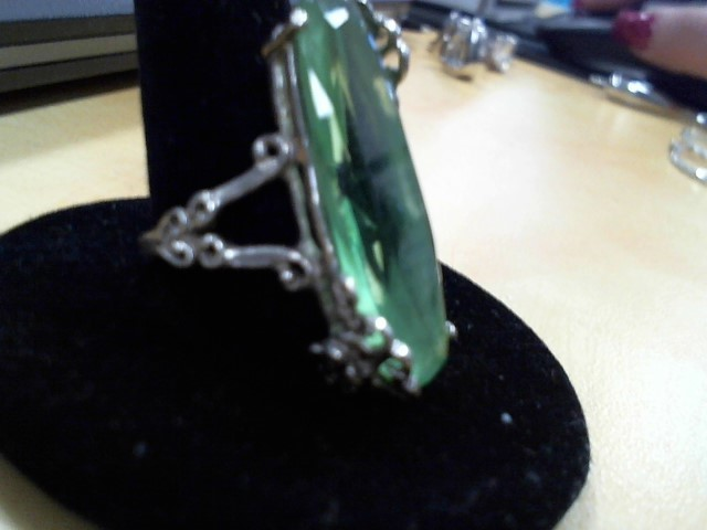 Green Stone Lady's Silver & Stone Ring 925 Silver 3g